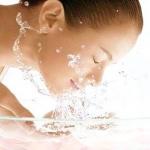 ควรล้างหน้าด้วยน้ำอุ่นหรือไม่