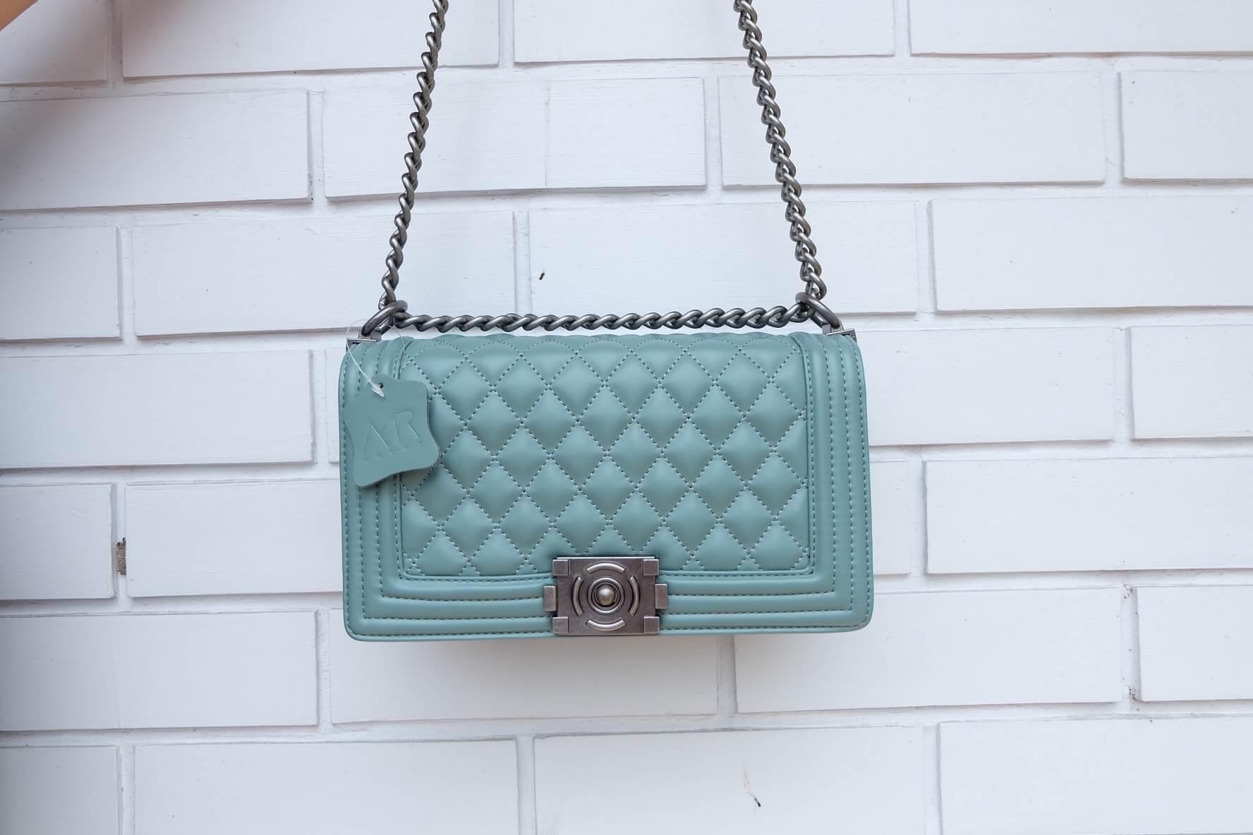 กระเป๋า Amory chain large shoulder bag สีฟ้า ทรง Chanel สวยหรูมาก