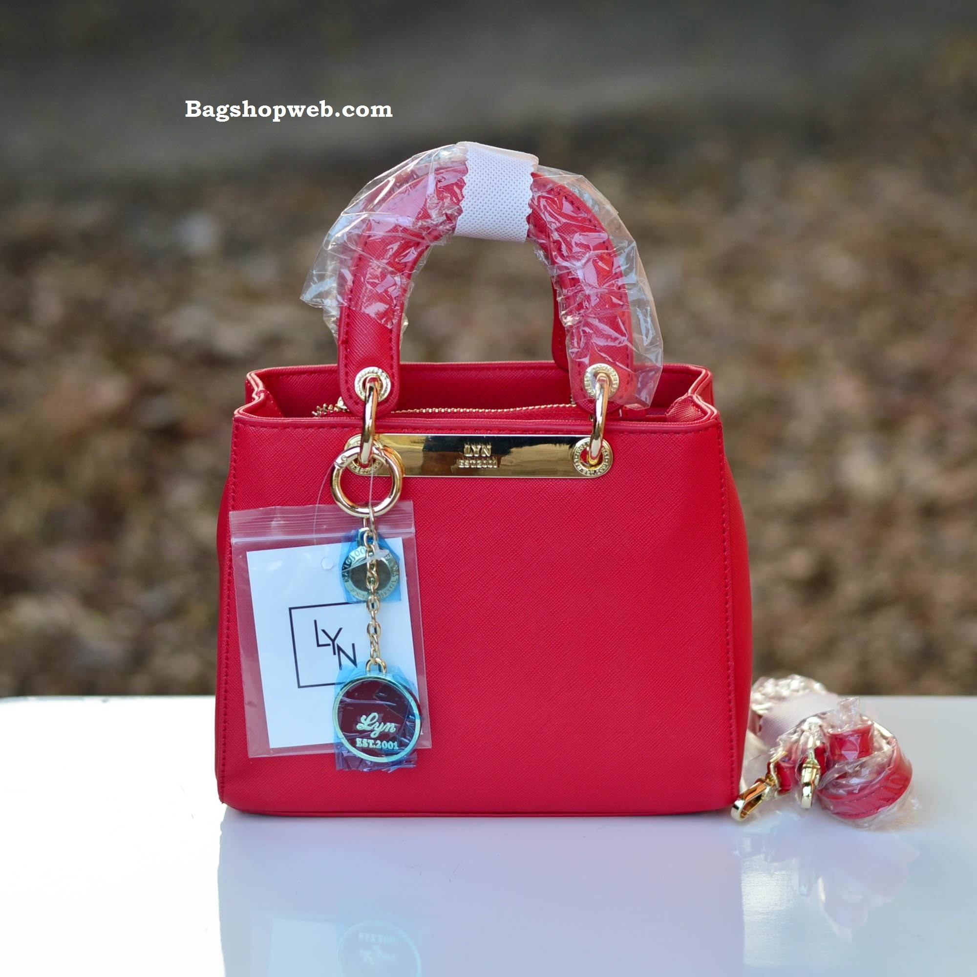 กระเป๋า LYN Tiara Xs พร้อมส่งค่ะ ราคา 1,490 บาทส่ง Ems Free