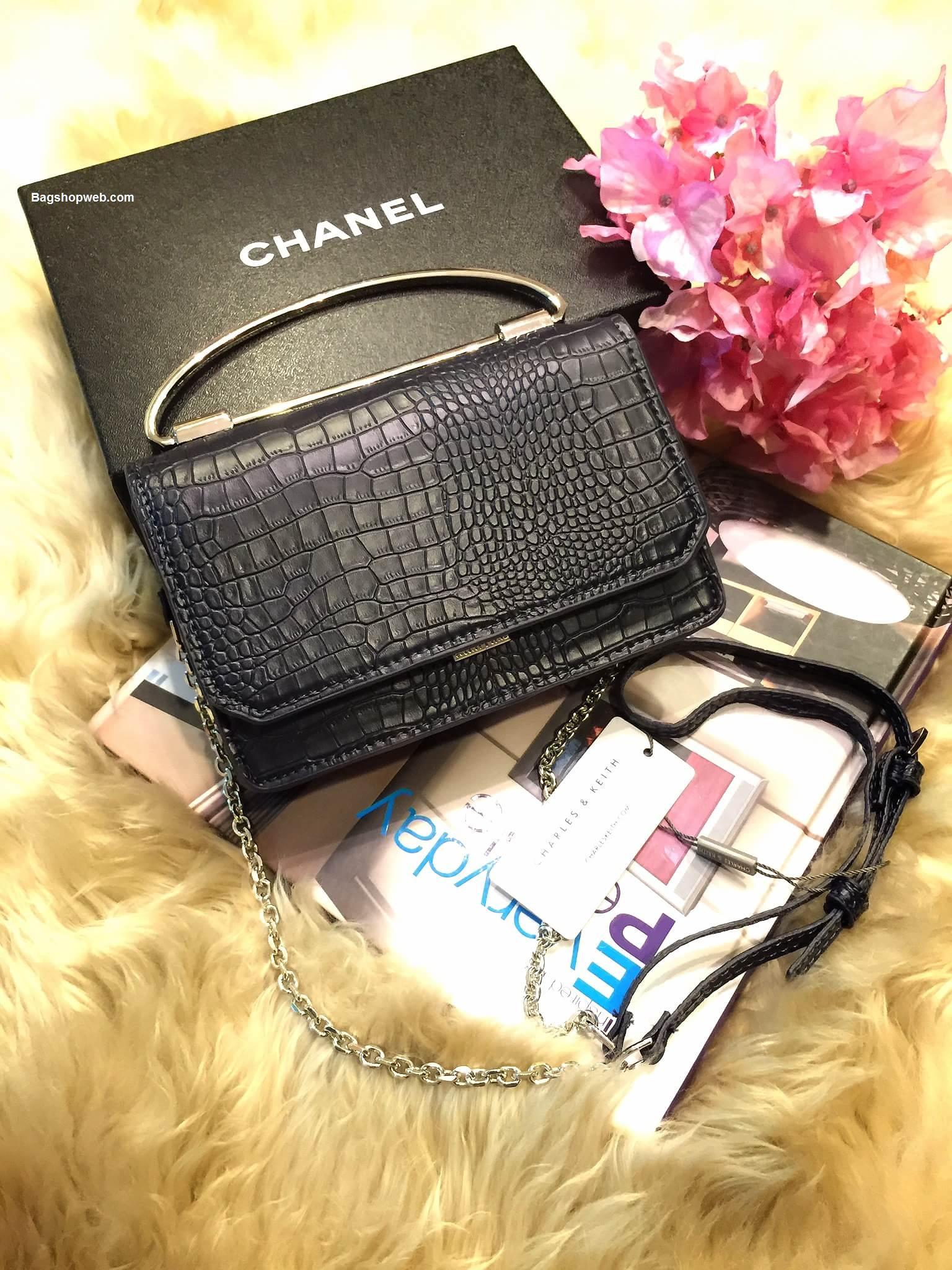 กระเป๋า Charles & Keith Push Lock Bag 2016 สีกรมท่า