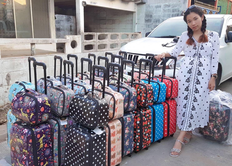 """กระเป๋าเดินทาง ชุด set 2 ใบ 16"""" และ 12 นิ้ว มี 23 ลายให้เลือก"""