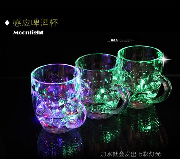 แก้วน้ำมีหูเปลี่ยนสี LED < พร้อมส่ง >