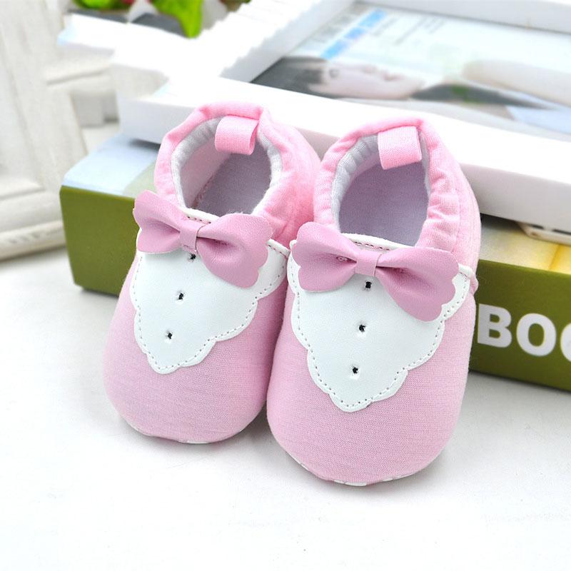 รองเท้าเด็กอ่อน ลายเสื้อสีชมพู วัย 0-12 เดือน