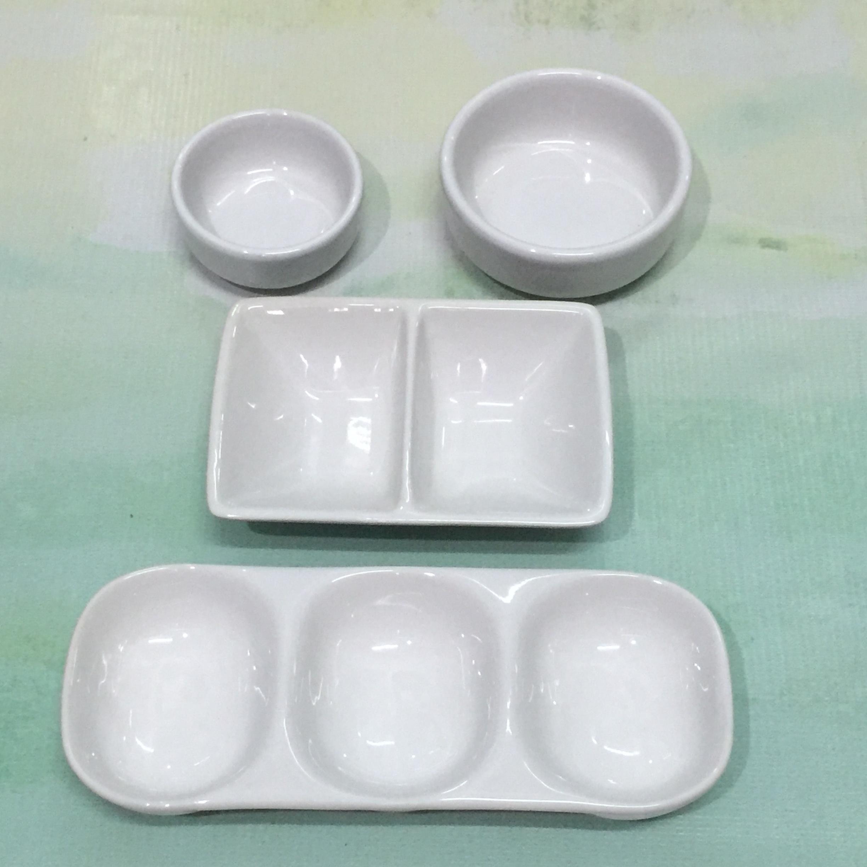 ถ้วยเซ็ท 4 ชิ้น ขาว