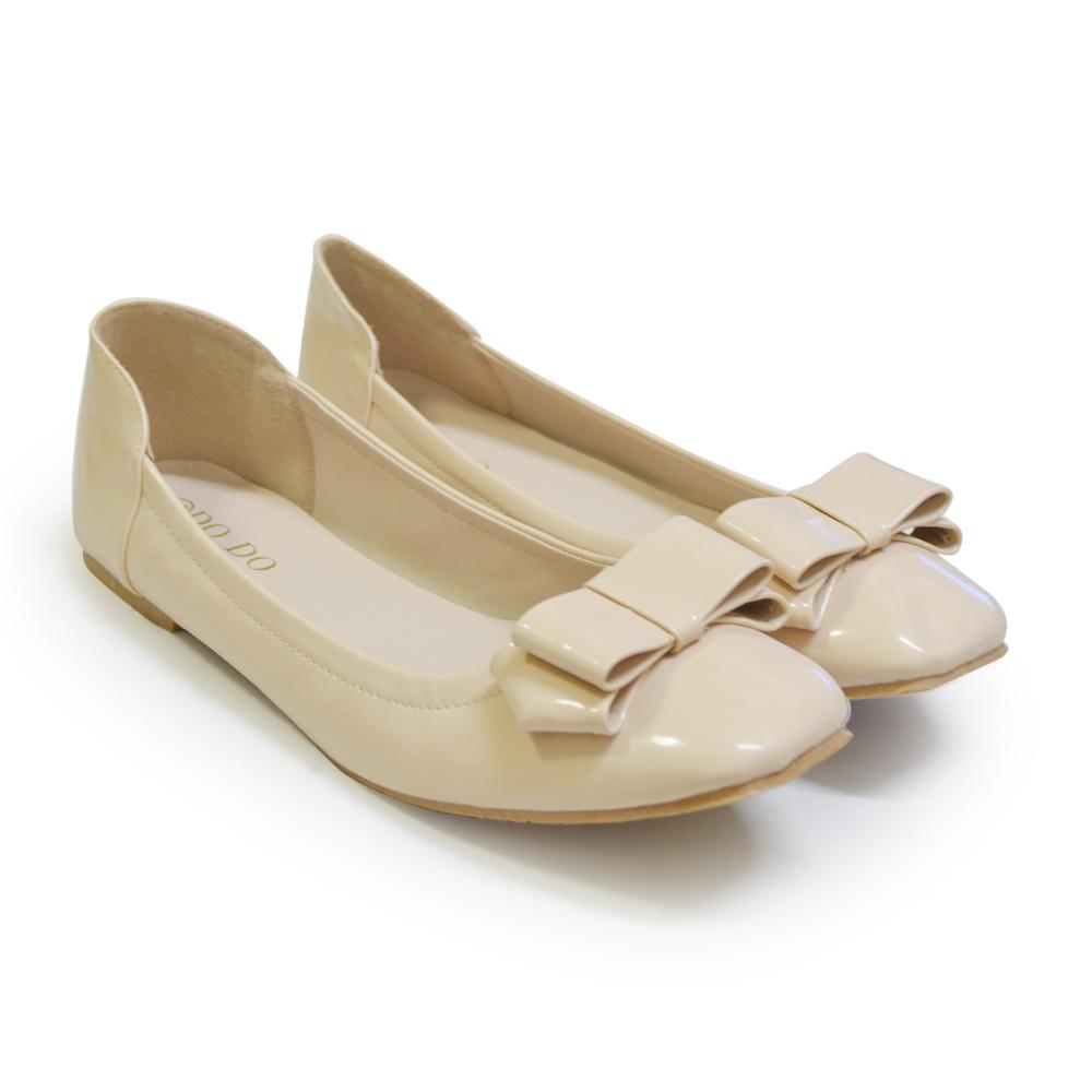 รองเท้าส้นแบนไซส์ใหญ่ ทรงหัวตัด สีเบจ - KR0361