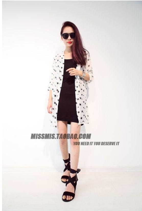 เสื้อคลุมซีฟองบางขนาดใหญ่ สีขาวและสีดำ
