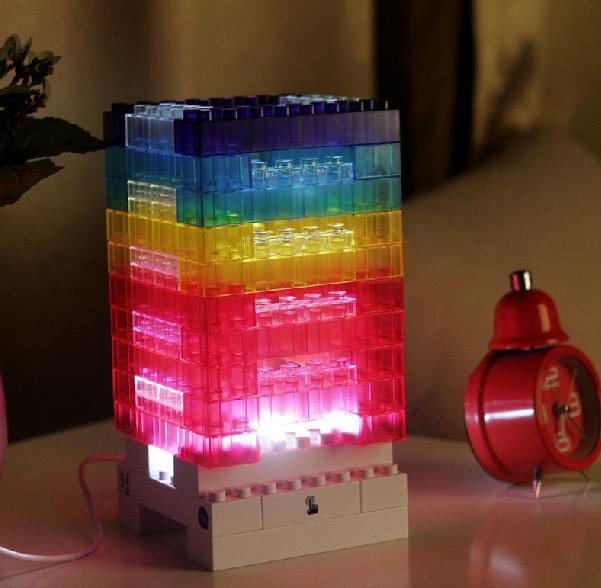 โคมไฟตัวต่อเลโก้ DIY