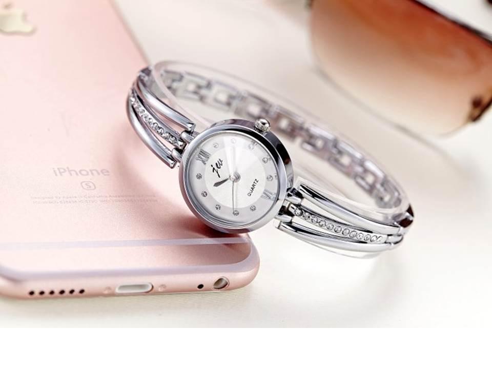 นาฬิกาแฟชั่นผู้หญิง สีเงิน(M1)
