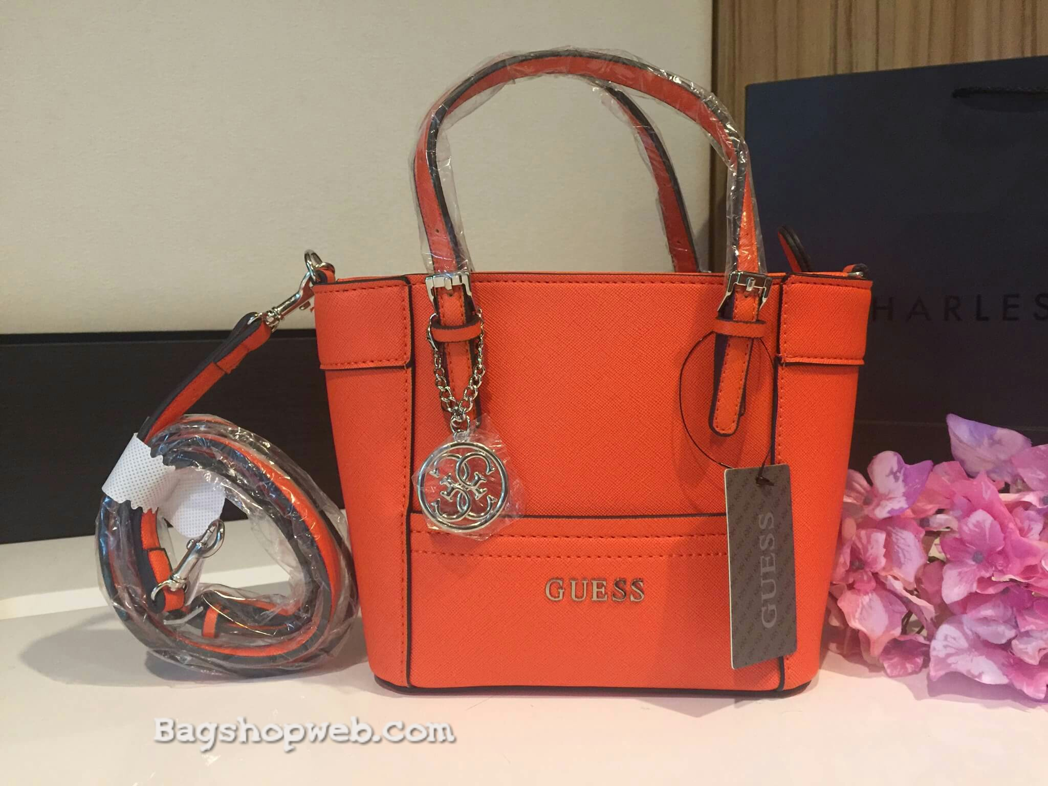 กระเป๋า GUESS SAFFIANO MINI CROSS BODY BAG