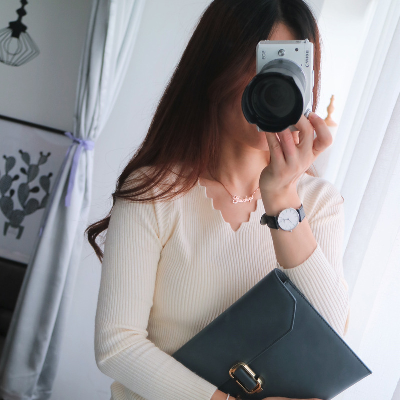เสื้อแขนยาวคอวี สีครีม