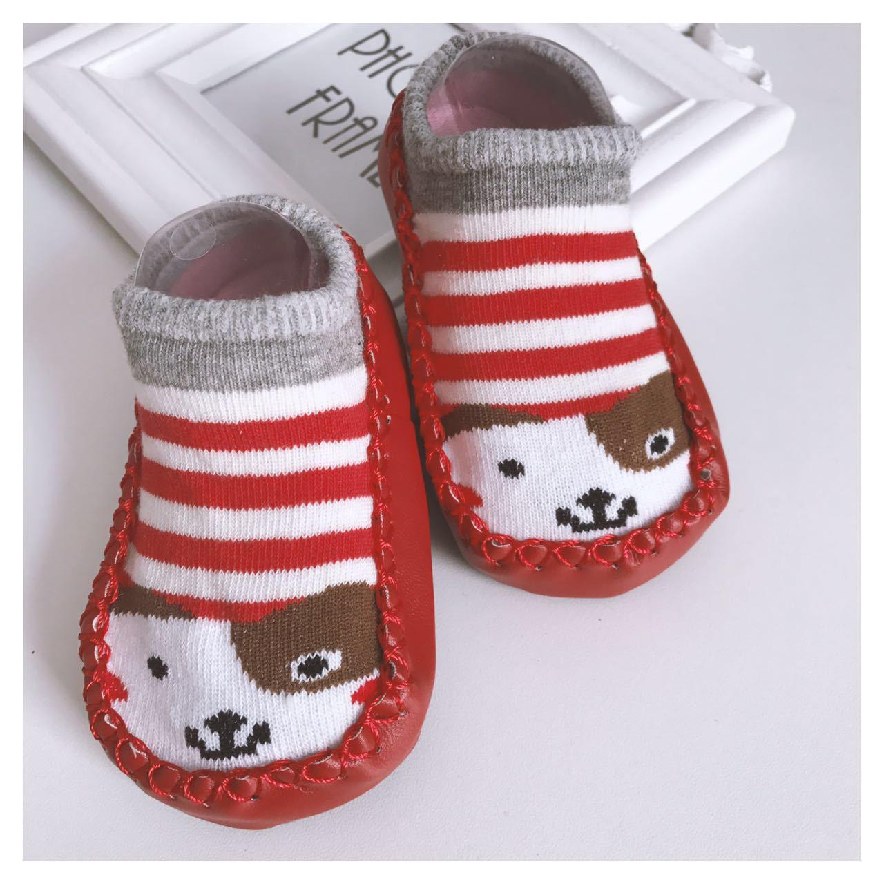 ถุงเท้ารองเท้า มีกันลื่น เนื้อผ้านุ่มนิ่ม สำหรับเด็กวัย 0-2 ปี ลายสุนัขสีแดงริ้ว