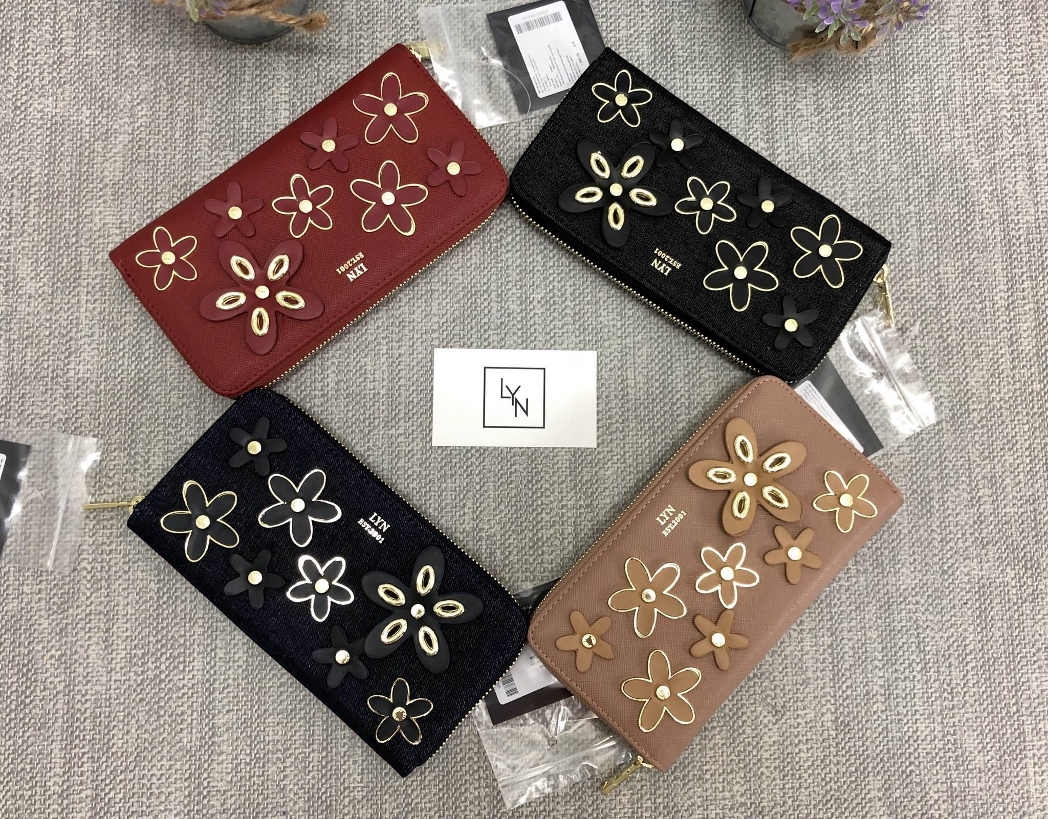LYN Bloomingdale Long Wallet free ถุงผ้า *สินค้า outlet