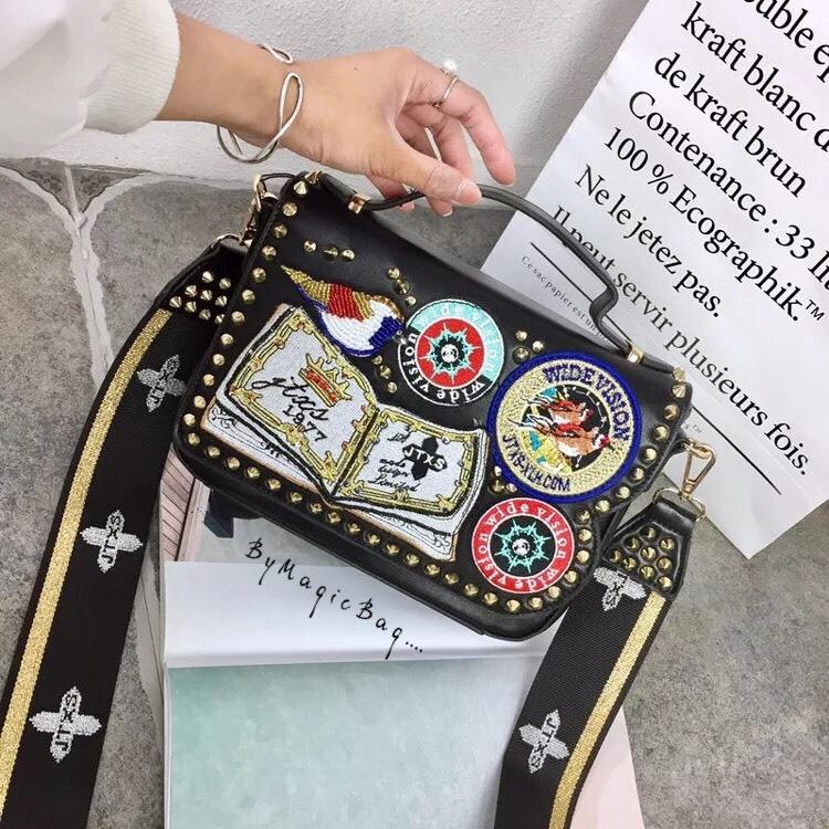 กระเป๋าสะพาย สีดำ JTXS bag made in Hong Kong 2017...งานแท้นะคะ