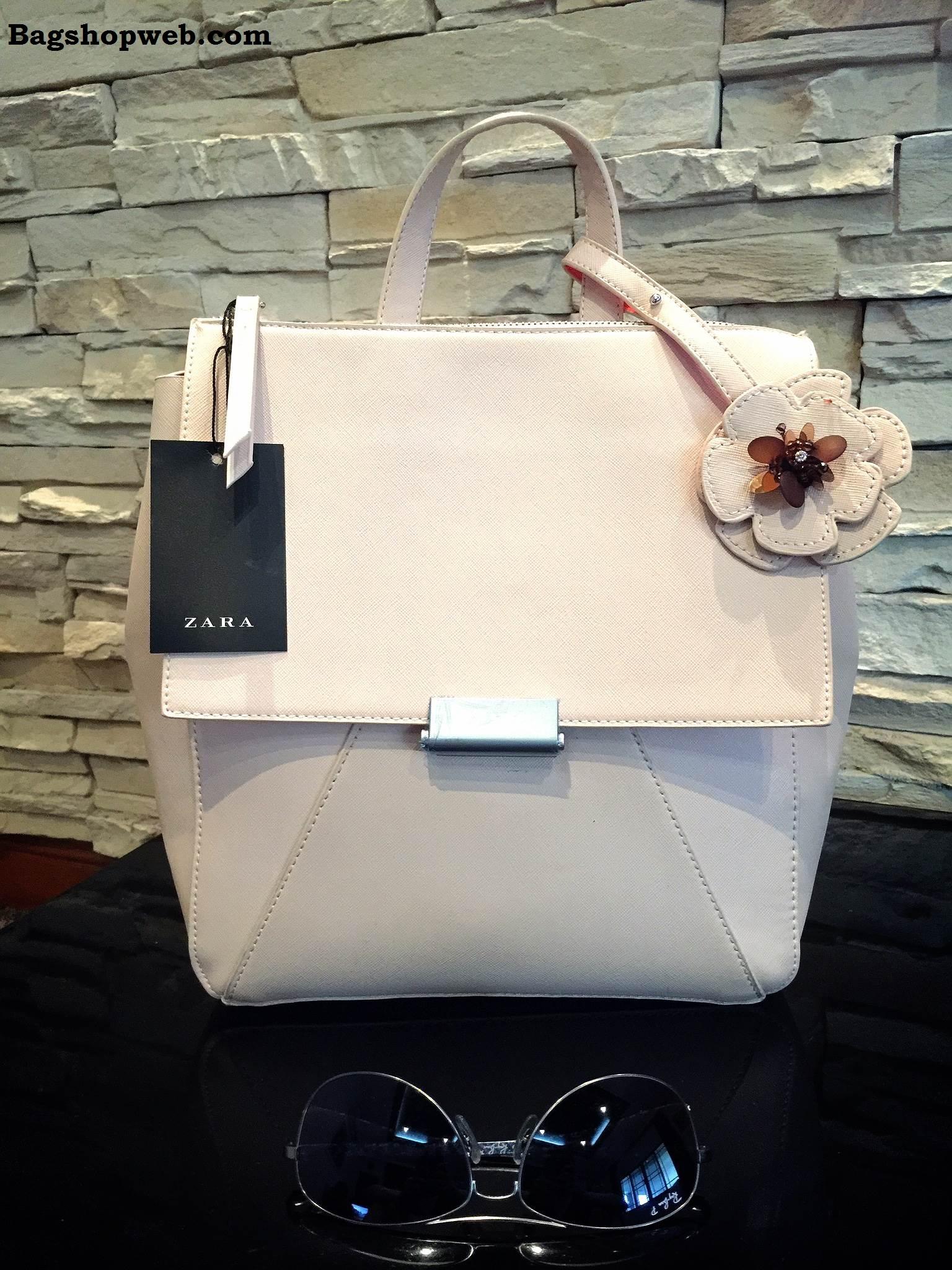กระเป๋าเป้ Zara BackPack With Flower Pendant ราคา 1,290 บาท Free Ems
