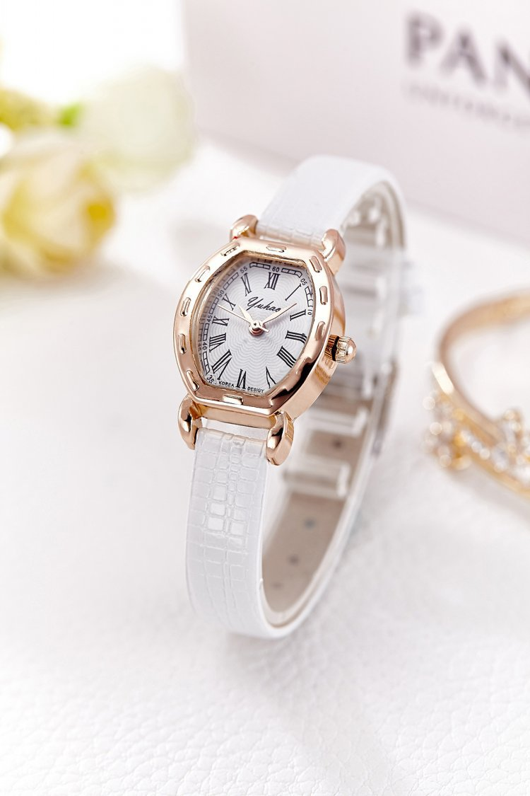 นาฬิกาแฟชั่นผู้หญิง(สีขาว)