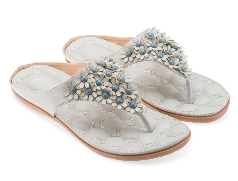 รองเท้าแตะหูหนีบไซส์เล็ก Desy Flower สีเทา KR0256