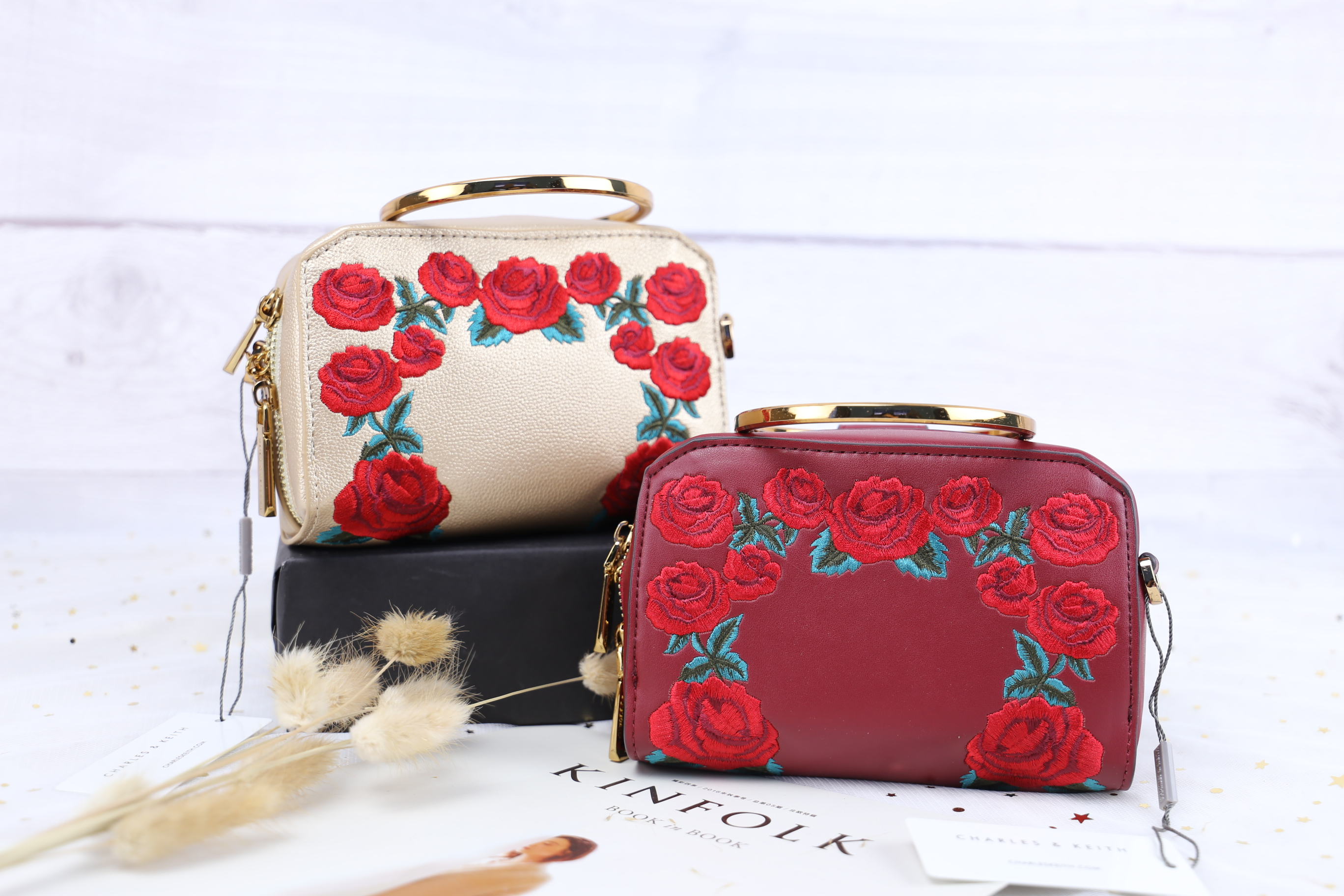 CHARLES & KIETH Rose Embroidery Sling Bag