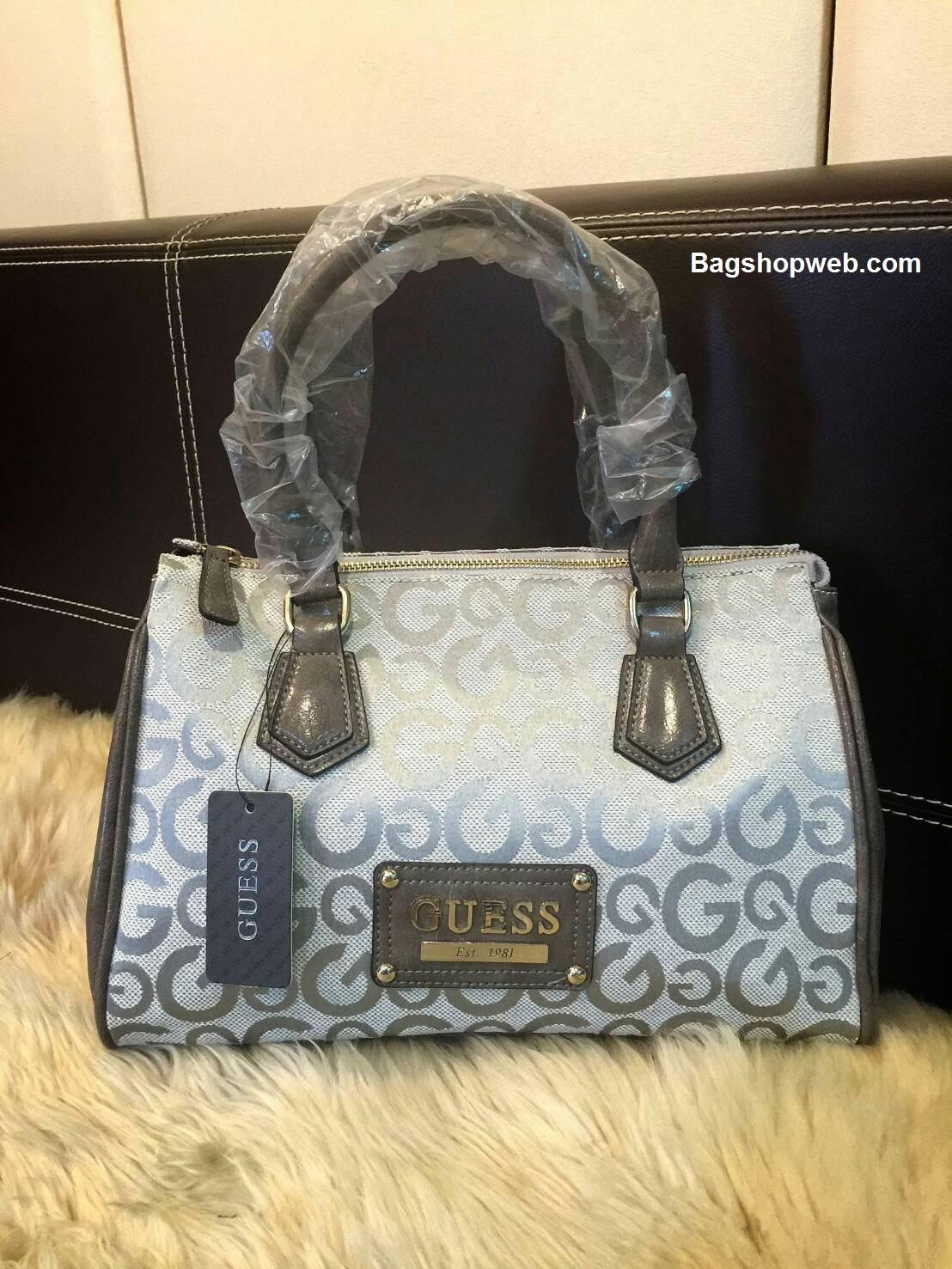 กระเป๋าถือทรงสุดฮิต จากแบรนด์ GUESS BOWLING BAG 2017 ราคา 1,590 บาท Free Ems