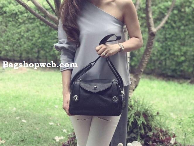 กระเป๋าหนังแท้ทรงฮิต Silver material และ Coated Leather