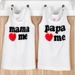 [แพคคู่] เสื้อแขนกุดเด็กเล็ก สีขาวสกรีนลาย mama & papa <3 me