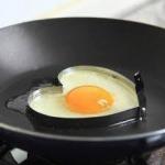 ที่วางทอดไข่ สแตนเลสรูปหัวใจ < พร้อมส่ง >