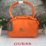 GUESS กระเป๋าถือ วัสดุทำจากหนังลายชามัวร์อย่างดี สีสันสดใส