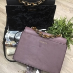 Charles&Keith Chain Top Handle Handbag มี 2 สีให้เลือกค่ะ