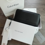 Calvin Klein Long Wallet With Box free ถุงกระดาษ