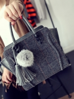 กระเป๋าแฟชั่นทรงสวยมาก หนังดี!!