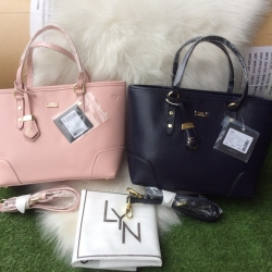 LYN Tote Bag With Clutch มี 2 สี