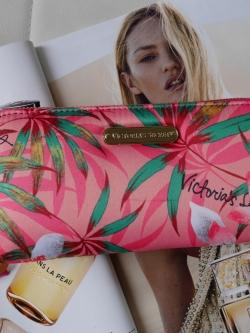 (มีกล่อง)กระเป๋าสตางค์ ยาว สีชมพู Victoria's Secret