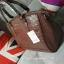 กระเป๋าหนัง สุดคลาสิค ทรงสุดหรู New Collection ยี่ห้อ MANGO TOUCH แท้ กระเป๋านำเข้า รุ่น Croc Tote Bag พร้อมส่ง ที่ไทย ออกแบบหนังด้วยลายหนังแท้ ด้วยดีไซน์ 2 อย่างถี่และห่าง ทรงตั้งสง่า แข็ง ไม่ยุบแบนเวลาวาง แต่งให้หรู ด้วยอะไหล่ทอง ทั้งใบ thumbnail 7