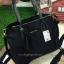 กระเป๋าถือ/สะพาย Mango Nylon Bag สวยหรู ดูดี กระเป๋าทำจากผ้าไนล่อน แต่งโลโก้สีทอง ทรง Tote รุ่นใหม่ล่าสุดออกแบบสไตล์ Prada รุ่นยอดนิยม thumbnail 6