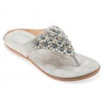 [พร้อมส่ง] ไซส์ 41-45 รองเท้าแตะหูหนีบ ประดับดอกไม้เล็กๆ สีเทา KR0256