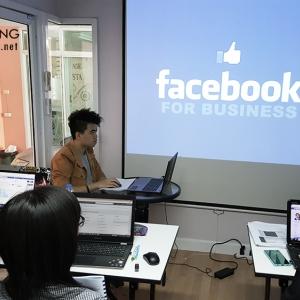 อาจารย์ใบตองกับการเปิดสอนหลักสูตรการทำโฆษณาผ่านfacebook และ Google อย่างมืออาชีพ ( Advance facebook ads และ google adwords)