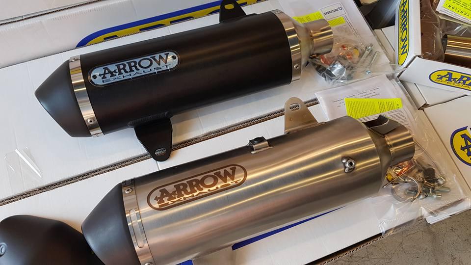 ท่อ ARROW Slip on Silver color สีเงินสแตนเลส Yamaha X-MAX 300
