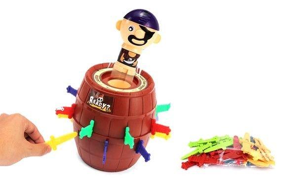 เกมส์ถังโจรสลัดเสียบมีดในตำนาน ขนาดจัมโบ้ Pirate Barrel Games