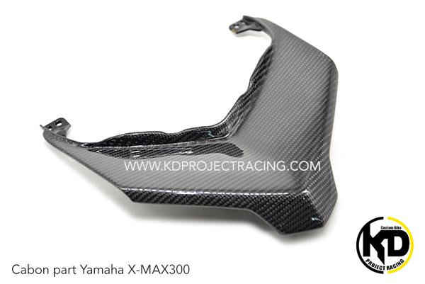 Yamaha X-MAX300 งานหุ้ม Carbon บังลมบนไฟหน้า