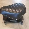 เก้าอี้เตี้ยแบบมีล้อเลื่อนเบาะทรง monkey 50cc