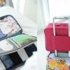 กระเป๋าจัดระเบียบ Travel Luggage Organizer เสียบที่จับของกระเป๋าเดินทางได้ มีช่องใส่สองชั้นกั้นด้วยช่องตาข่าย ผลิตจากโพลีเอสเตอร์กันน้ำ