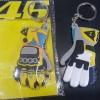 พวงกุญแจยาง รูปถุงมือหน้าหลัง รอสซี่46