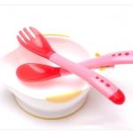 ถ้วยใส่อาหารและกินข้าวเด็ก