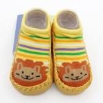 ถุงเท้ารองเท้า มีกันลื่น เนื้อผ้านุ่มนิ่ม สำหรับเด็กวัย 0-2 ปี ลายสิงโตสีเหลือง