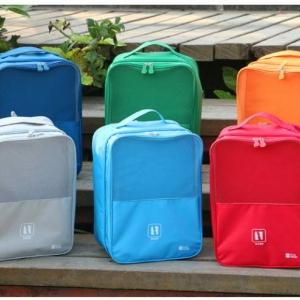 กระเป๋าใส่รองเท้า เสียบกระเป๋าเดินทางได้ ผลิตจากโพลีเอสเตอร์กันน้ำ + ตาข่าย คุณภาพดี มี 6 สี ให้เลือก